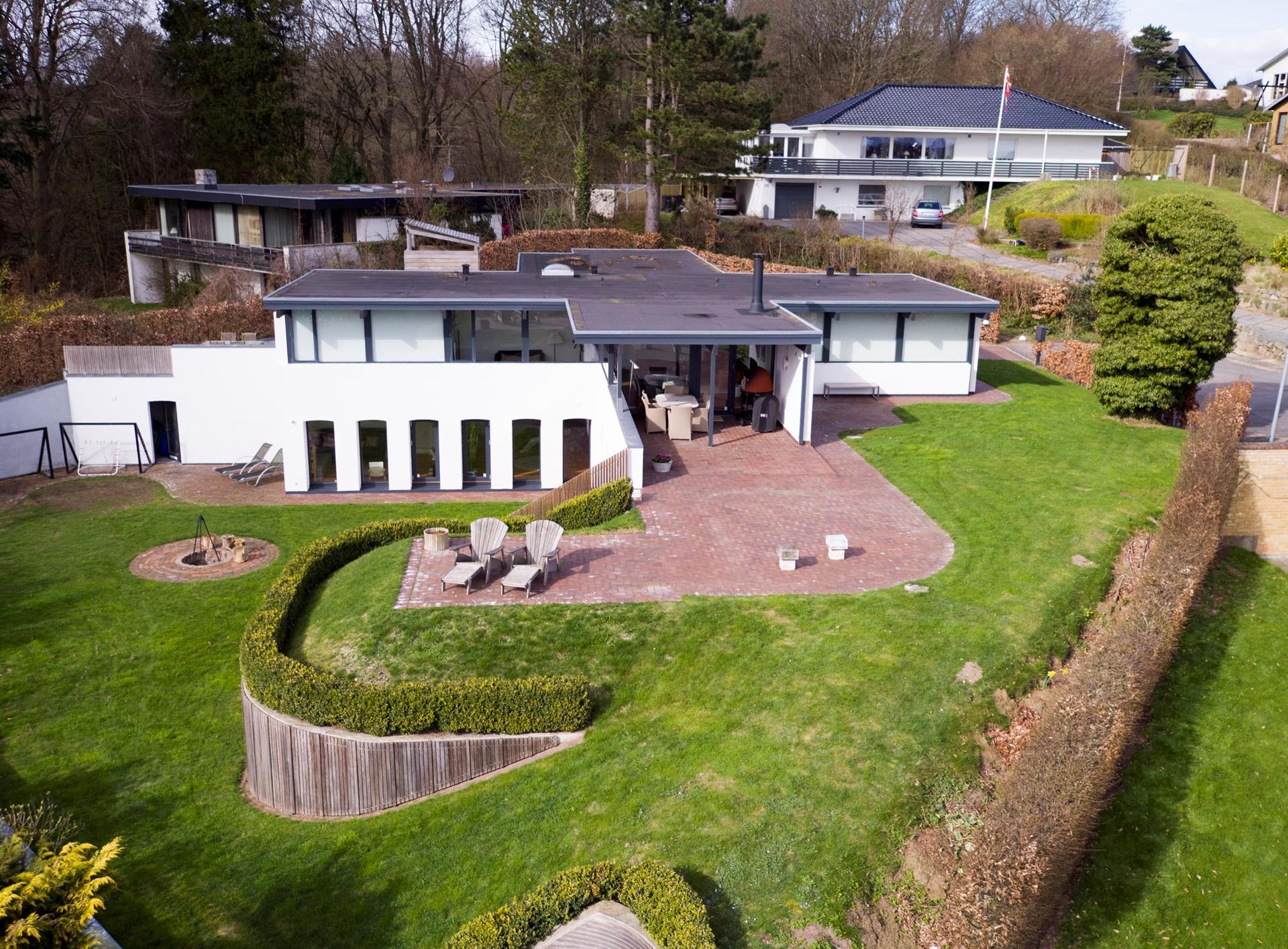 Villa på Dyrehegnet i Vejle Øst - Set fra haven