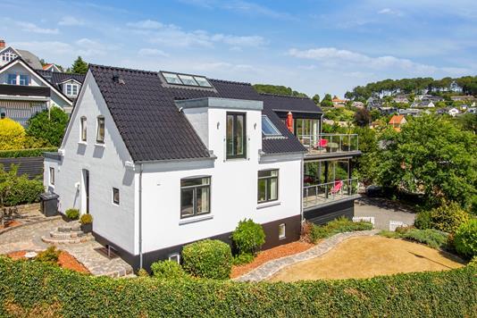 Villa på Kirkebakken i Vejle Øst - Set fra haven