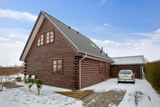 Villa på Skovbyvej i Børkop - Set fra vejen