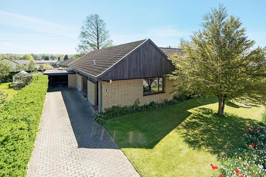 Villa på Krathave i Vejle - Set fra vejen