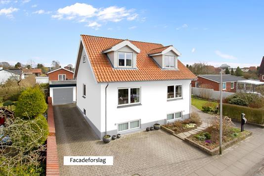 Villa på Kirsebærvej i Vejle - Set fra vejen