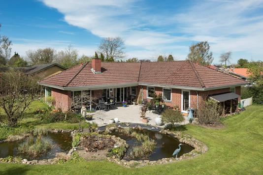 Villa på Elmevej i Bredsten - Set fra haven