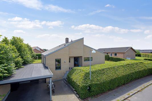 Villa på Pallasvej i Vejle - Set fra vejen