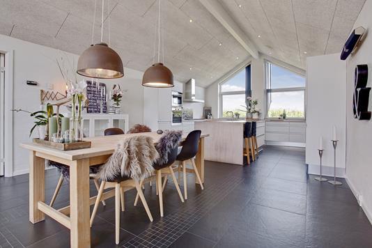 Villa på Mølvanggårdsvej i Jelling - Køkken alrum
