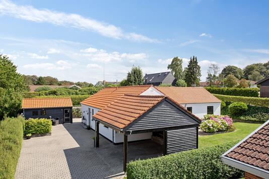 Villa på Hirseager i Vejle Øst - Set fra vejen