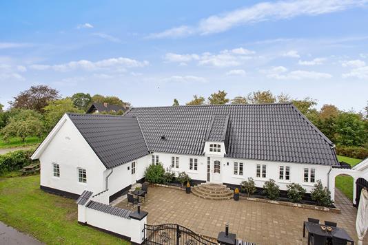 Villa på Rugsted Tværvej i Vejle - Set fra vejen