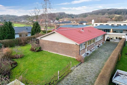 Villa på Sleldeparken i Vejle - Set fra vejen