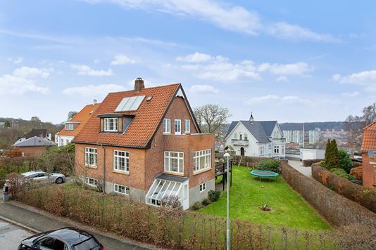 Villa på Sdr Villavej i Vejle - Set fra vejen