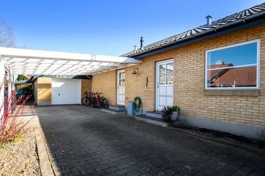 Villa på Uranusvej i Vejle - Set fra vejen