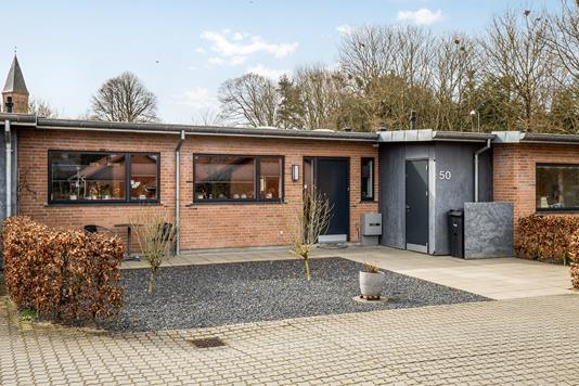 Villa på Kirkebakken i Vejle Øst - Set fra vejen