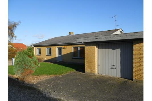 Villa på Knabervej i Aalestrup - Ejendommen