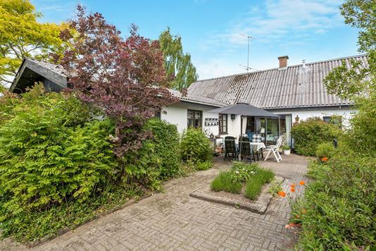 Villa på Møllebækvej i Møldrup - Ejendommen