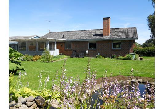 Villa på Kirketoften i Møldrup - Ejendommen