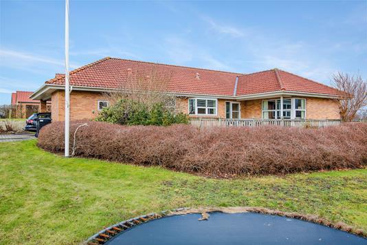 Villa på Syrenvej i Aalestrup - Ejendommen