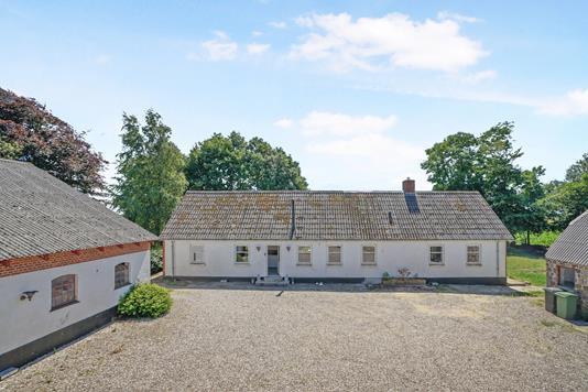 Villa på Holmsgaardsvej i Aalestrup - Ejendommen