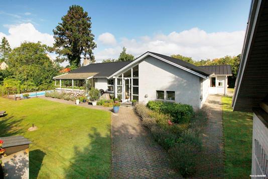 Villa på Parkvænget i Solrød Strand - Facade