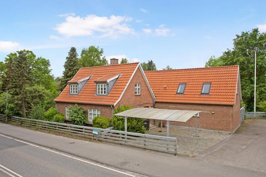Villa på Værebrovej i Ølstykke - Set fra vejen