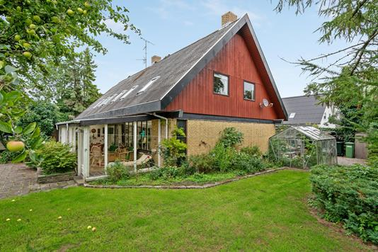 Villa på Maglegårdsvej i Brøndby Strand - Ejendommen