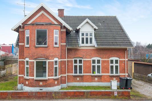 Villa på Strandvejen i Frederiksværk - Ejendommen