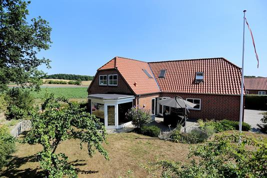 Villa på Bakkesvinget i Slangerup - Ejendommen