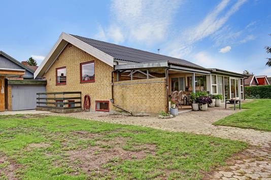 Villa på Hvedemarken i Slangerup - Ejendommen