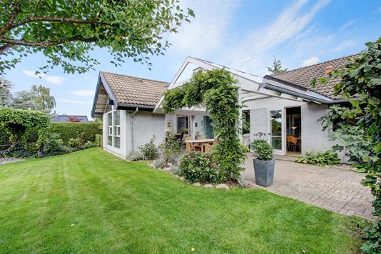 Villa på Dyrlægegårds Alle i Frederikssund - Ejendommen