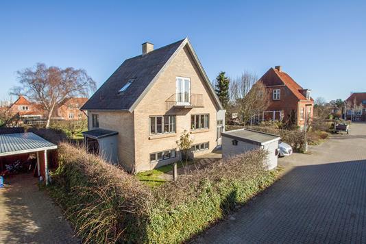 Villa på Finsensvej i Horsens - Set fra vejen