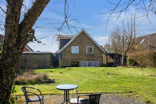 Villa på Svalevej i Horsens - Set fra haven