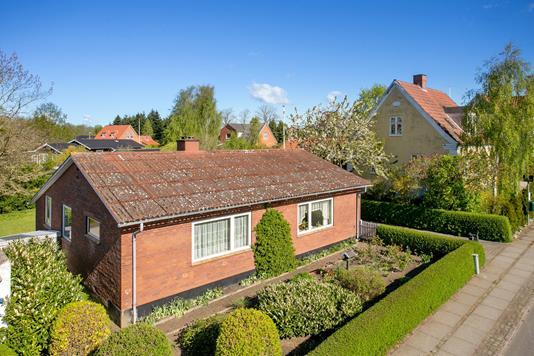 Villa på Serridslevvej i Horsens - Set fra vejen