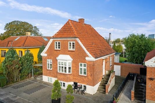 Villa på Asgårdsvej i Horsens - Set fra vejen