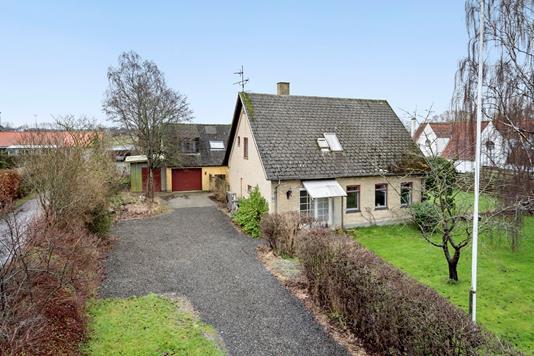 Villa på Strøby Bygade i Strøby - Ejendommen