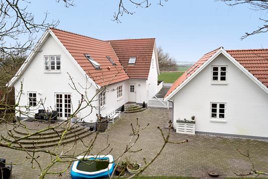 Villa på Skovbovej i Hårlev - Ejendommen