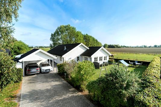 Villa på Stølgårdsvej i Strøby - Ejendommen