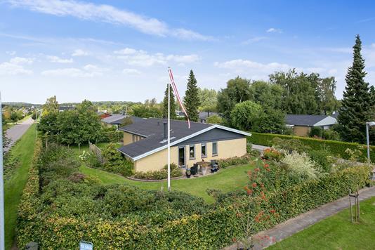 Villa på Læskovvej i Bjæverskov - Set fra haven