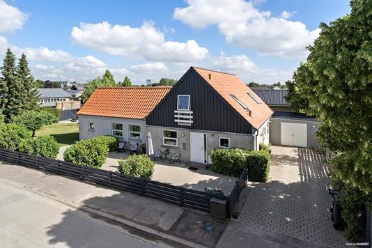 Villa på Hellebækvej i Køge - Ejendommen