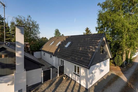 Villa på Valløby Bygade i Køge - Ejendommen