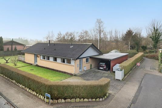 Villa på Åvænget i Haslev - Ejendommen