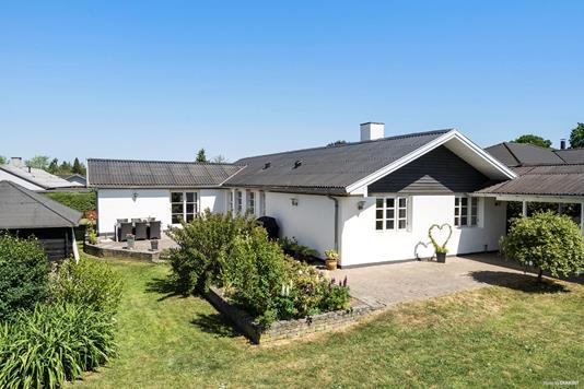 Villa på Vemmedrupvej i Bjæverskov - Ejendommen