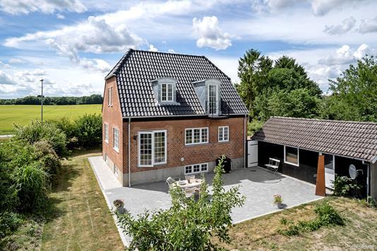Villa på Åshøjvej i Køge - Ejendommen