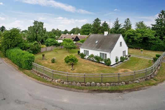Villa på Tessebøllevej i Herfølge - Set fra vejen