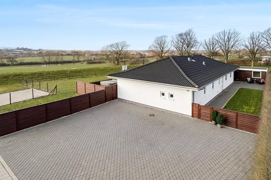 Villa på Spurvestræde i Haslev - Ejendommen