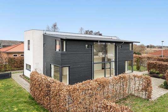 Villa på Margrethehaven i Herfølge - Ejendommen