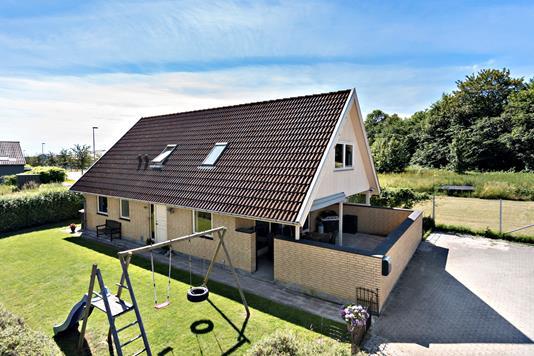 Villa på Østergade i Lille Skensved - Ejendommen