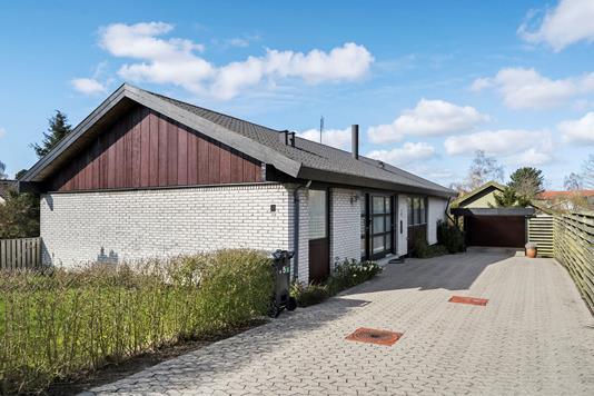 Villa på Perikonvej i Køge - Ejendommen
