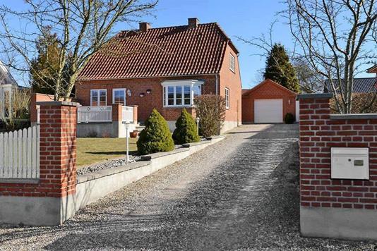 Villa på Krogen i Bjæverskov - Set fra vejen