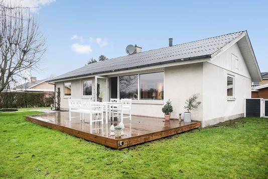 Villa på Rosenvænget i Lille Skensved - Ejendommen