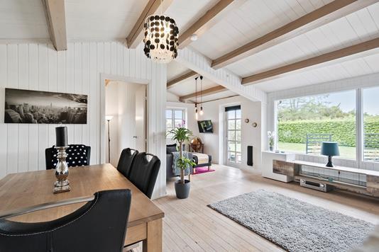 Villa på Troldpilevej i Køge - Spisestue