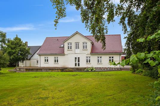 Villa på Teestrup Nedenvej i Haslev - Ejendommen