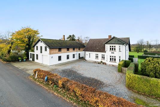 Villa på Spjellerupvej i Karise - Ejendommen