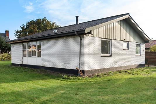Villa på Rosenvænget i Hårlev - Ejendommen